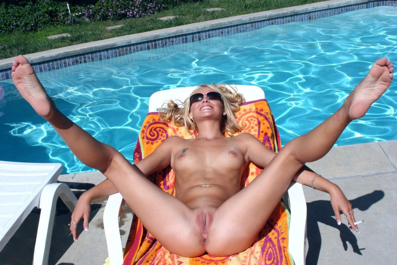 Picture nude blonde wife spreading legs at the pool