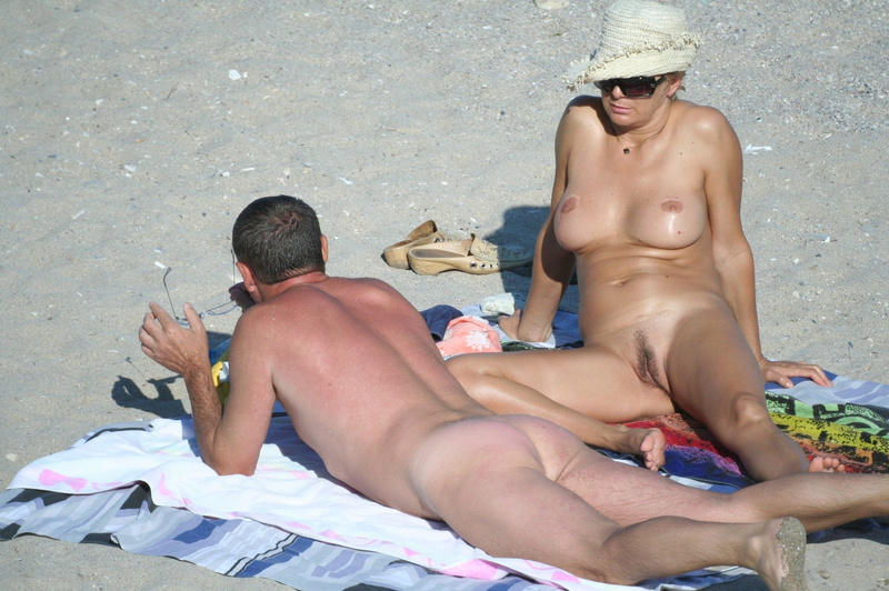 Picture nudist mature woman at the beach