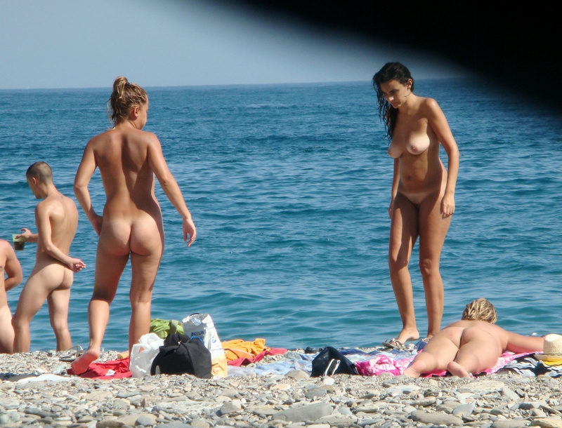 Picture nudist women caught at the beach