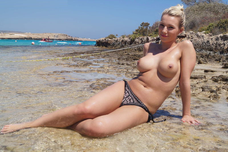Picture topless ex girlfriend at the beach